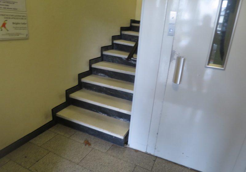 Objekt - Aufzug - Treppengang